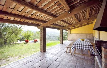 Can Rovira, outdoor dining area overlooking the pool
