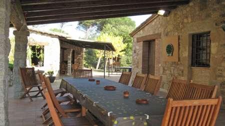 Can Salarichs, barbecue et salle á manger extérieure